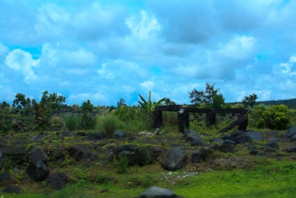 On the road to the Cagsawa ruins.